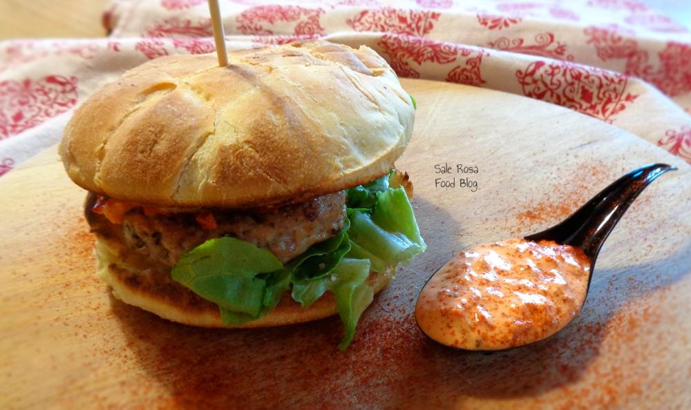 hamburger di tacchino e maionese ai peperoni
