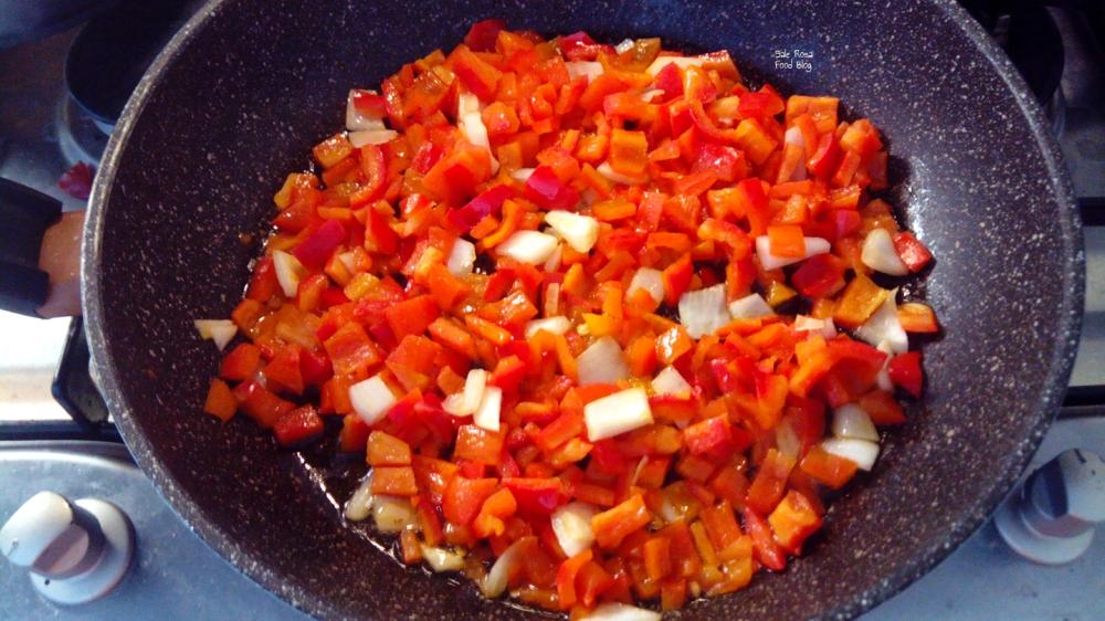 Preparazione dei peperoni per il sugo