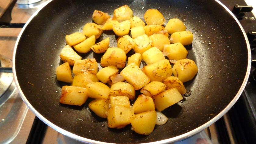 Patate cotte in padella