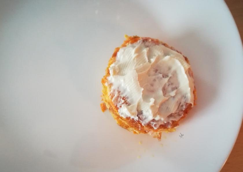 Composizione con il Philadelphia della lasagnetta di frittata di carote