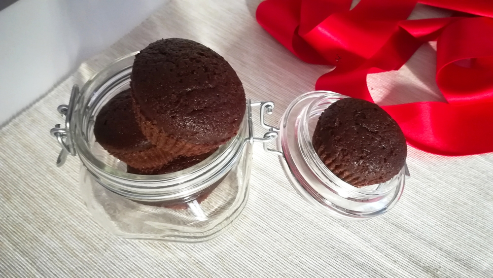 Muffin al cioccolato cannella e arancia senza lattosio