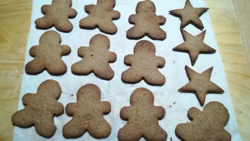 Biscotti di pan di zenzero sfornati