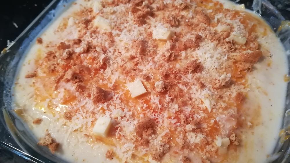Ultimo strato della lasagna di zucca, amaretti e pancetta