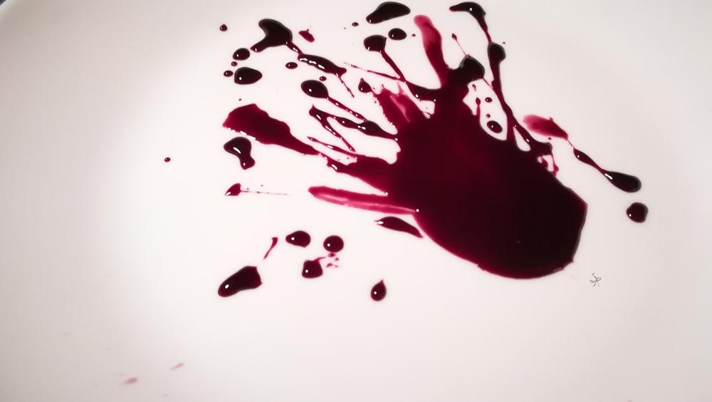 Riduzione di vino rosso, zucchero e peperoncino