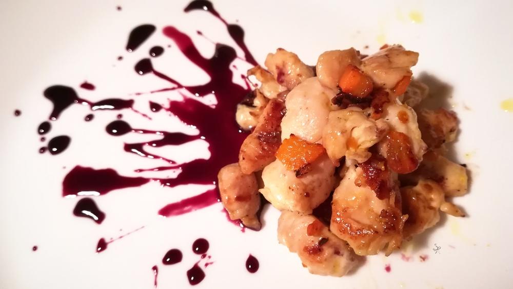 Pollo con riduzione di vino rosso, zucchero e peperoncino