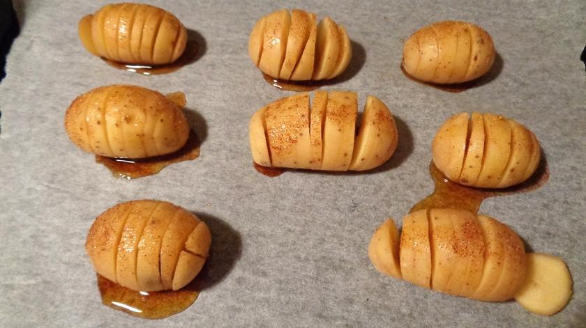 Patate a molla con olio, sale e paprika forte