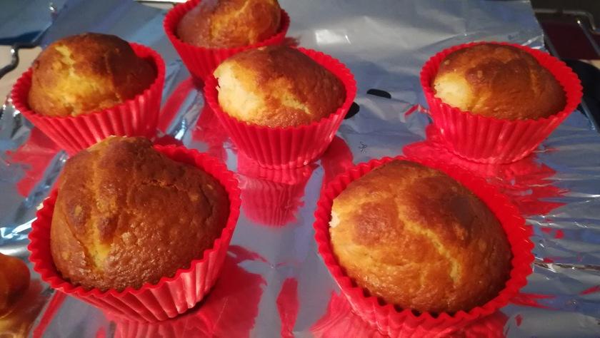 Muffin alla vaniglia appena sfornati