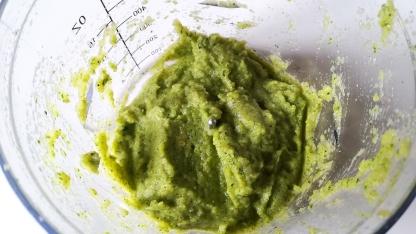 Crema di zucchine, menta, olio e pepe