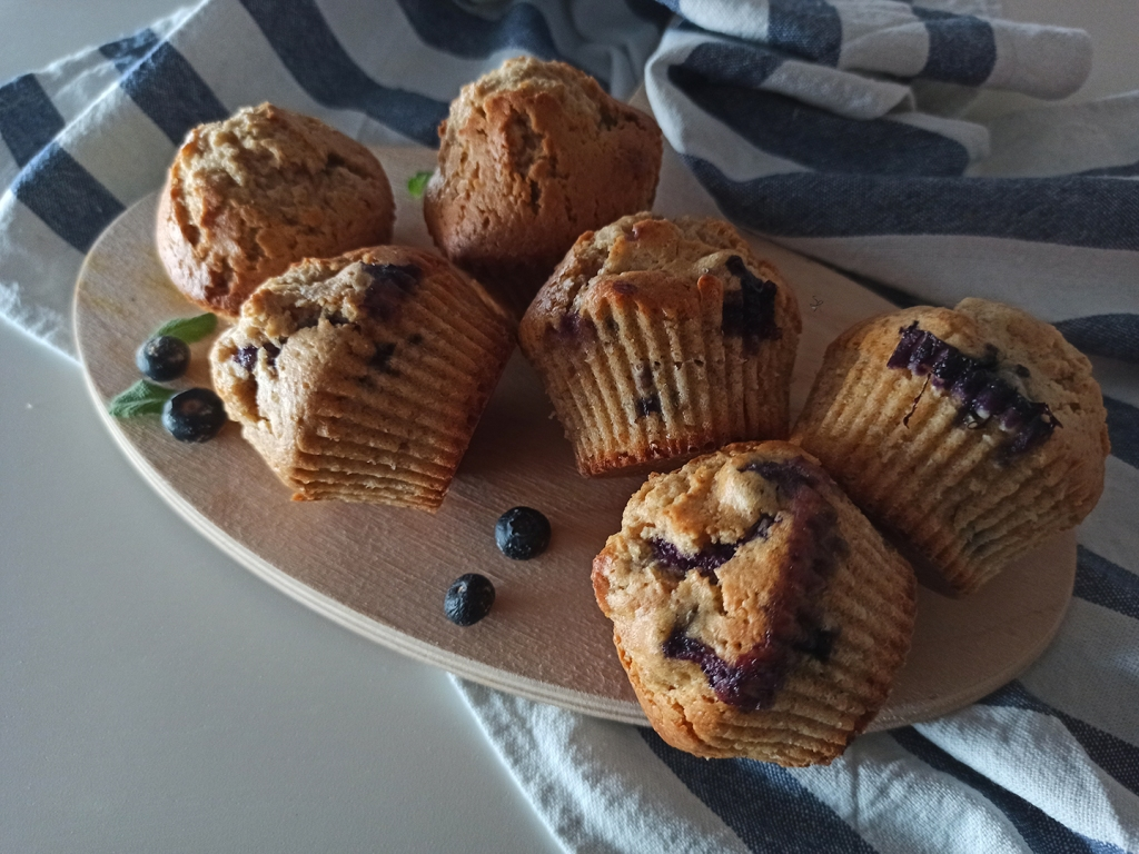 Muffin integrali ai mirtilli e yogurt